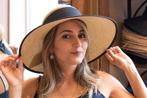 Compras em Orlando - Conheça a Chapel Hats, a loja de chapéus de Disney Springs