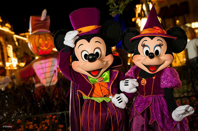 Mickey's Not-So-Scary - Mickey e Minnie Fantasiados