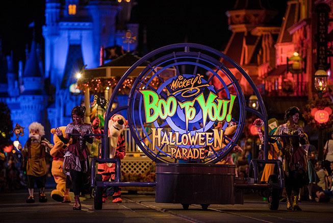 Mickey's Boo to You - Halloween Parade