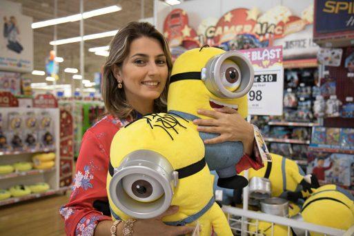 Duda Orlando visita Toys R Us de Orlando, Flórida
