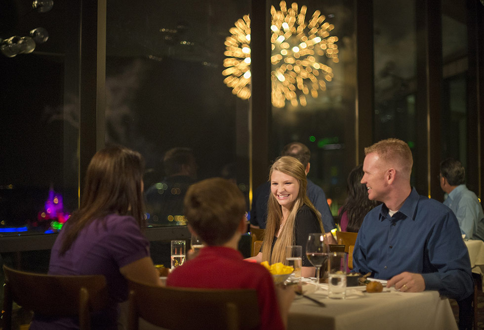 California Grill com fogos de artificio - Disney Resort